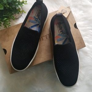 NEW BORN BLACK WHITE KNIT SOLSTICE SLIP ON SNEAKER